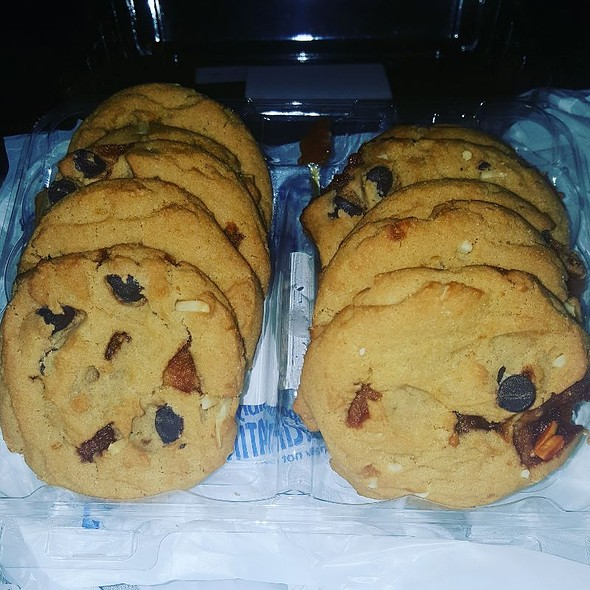 Toffee Almond Chocolate Chip Cookies