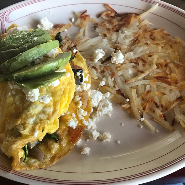 Spinach, Avocado & Feta Omelette @ 15th Hole Bar and Grill