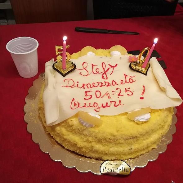 Torta Mimosa @ Pastic.Gelateria Di Pedatella S. - Pasticceria Gelateria