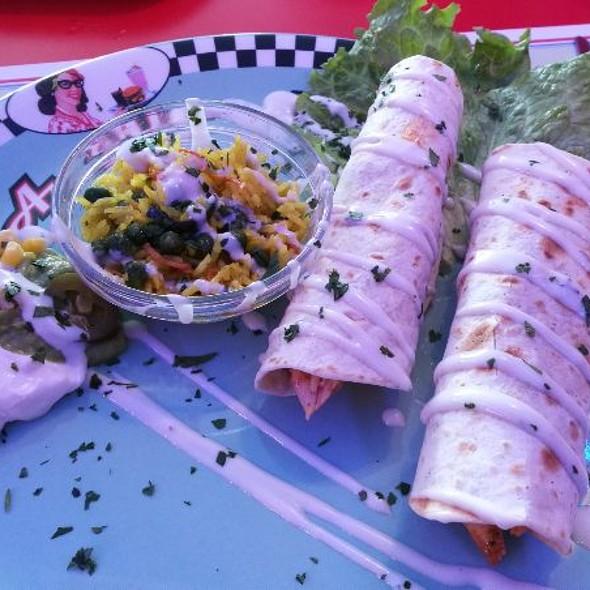 Taco de Pollo @ 1950 American Diner