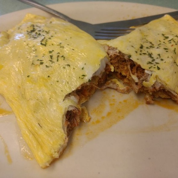 Cacoila And Cheese Omelet @ Chef Jeff's