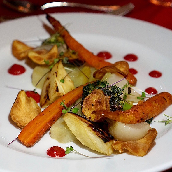 Veggie plate – butter poached turnips, carrots, roasted parsnips, confit fennel, charred broccoli, truffle sunchoke chips, roasted red pepper sauce