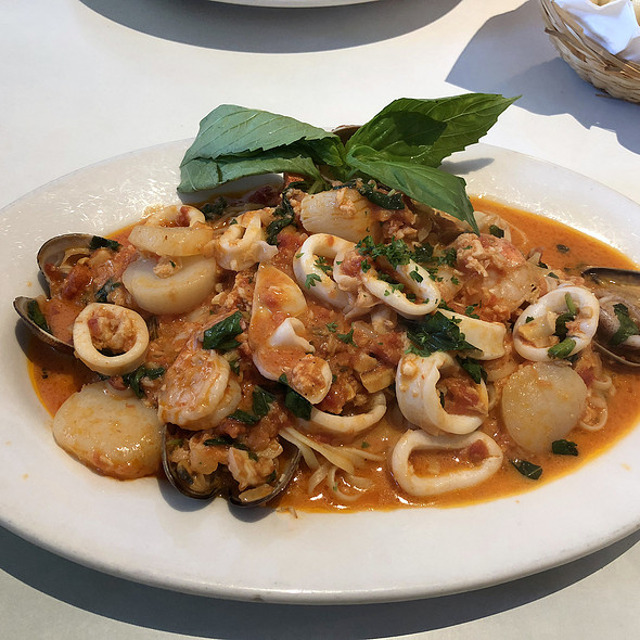 Seafood Harvest @ Pearlridge Center: Bravo Restaurant