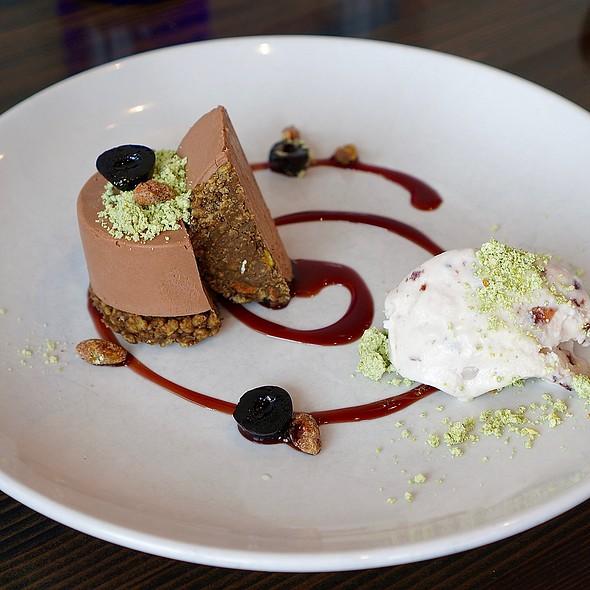 Boxcar espresso and milk chocolate mousse, pistachios, mascarpone, luxardo cherry ice cream @ Oak At Fourteenth