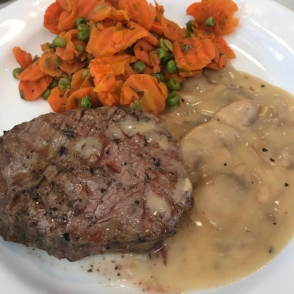 Steak Champignon @ Flemish Parliament