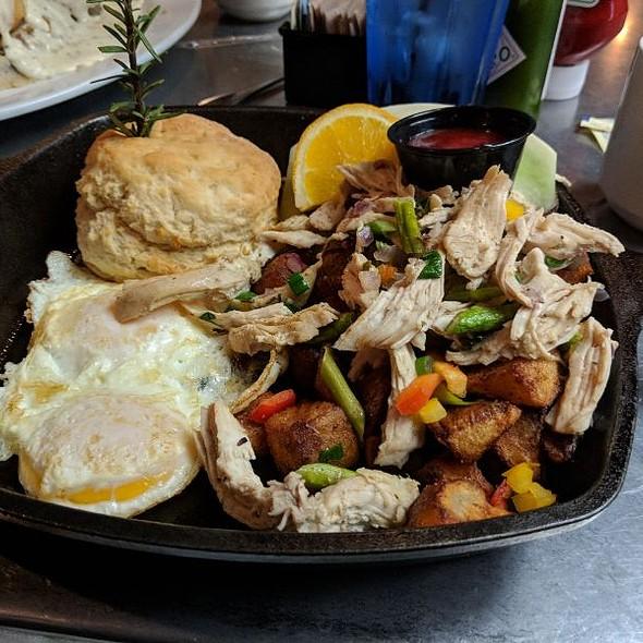 Roasted Chicken, Garlic, Asparagus Hash