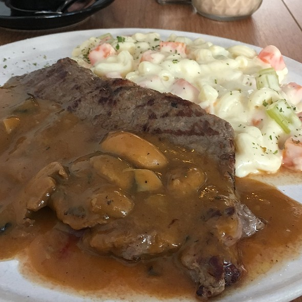 Grilled Sirloin With Macaroni