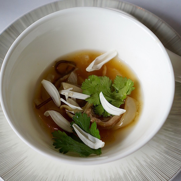 Snake soup with shredded fish maw and abalone