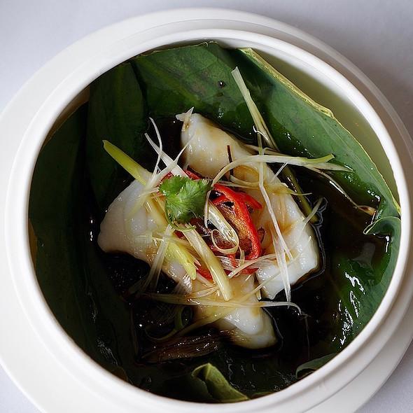 Steamed garoupa fillet, Mandarin zest, red dates