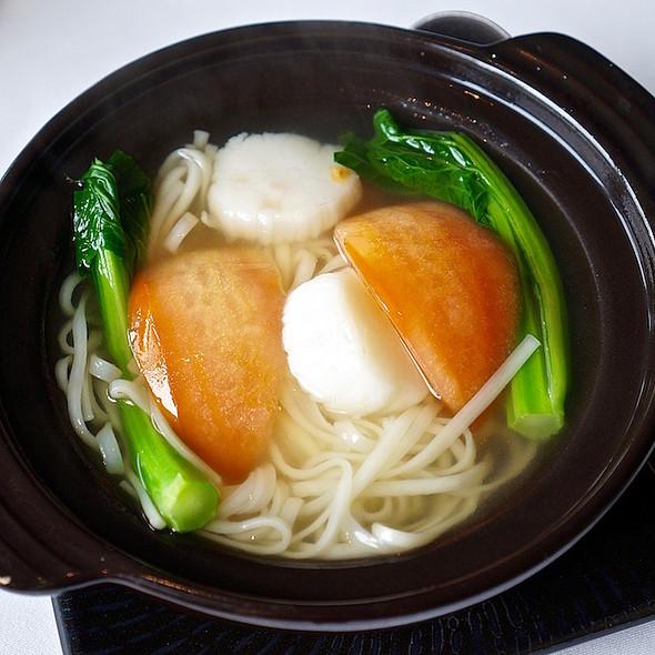 Inaniwa noodles, scallops, tomato, supreme broth
