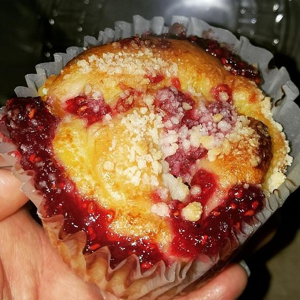 Raspberry and Custard Swirl