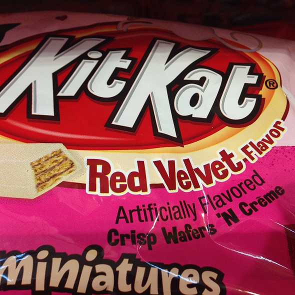 Red Velvet Kit Kats @ Store