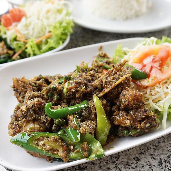 Stir Fried Sea Bass Curry Herbal Vegetables