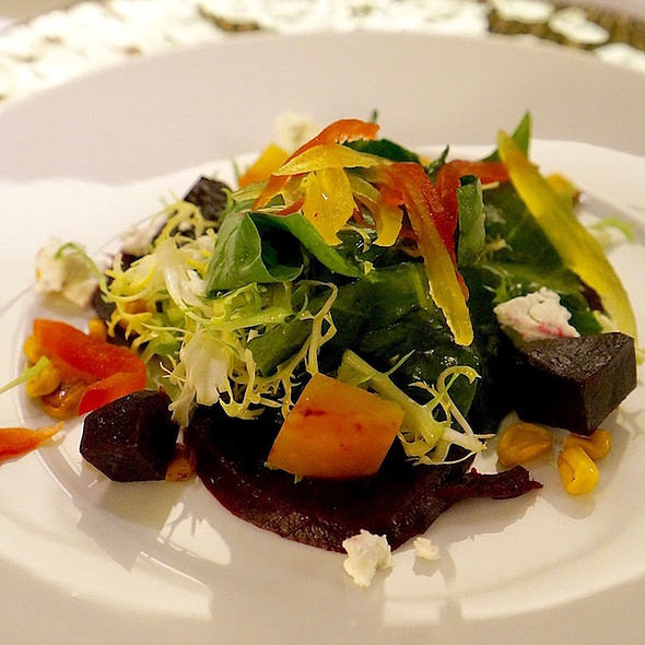 Roasted baby beets, spinach salad, goat cheese, chive vinaigrette