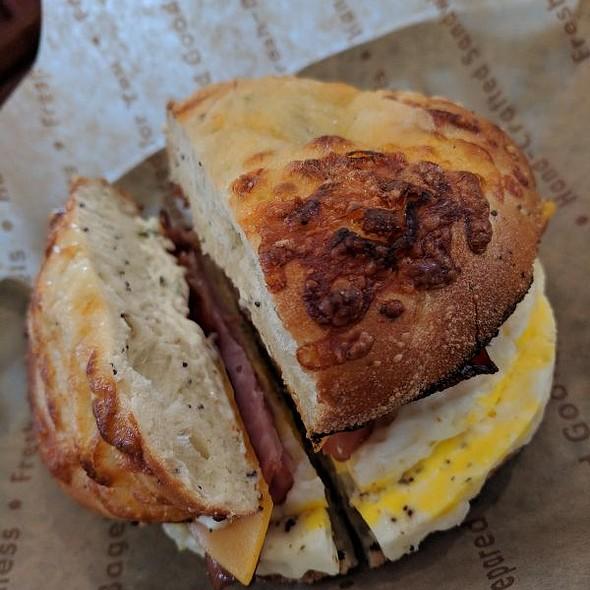 Farmhouse Breakfast Bagel