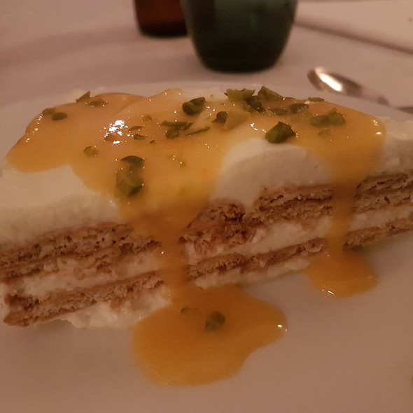 Honey Cake with Pistachio