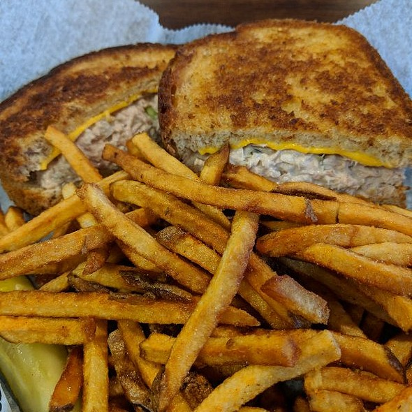 Tuna Melt @ Lakeshore Eatery