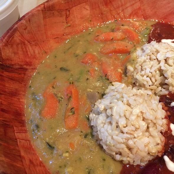 Coconut curry with kalo @ UMEKE Market Natural Foods & Deli