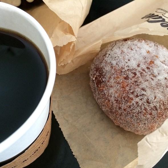 Malasada & kau coffee @ Pipeline Bakeshop & Creamery