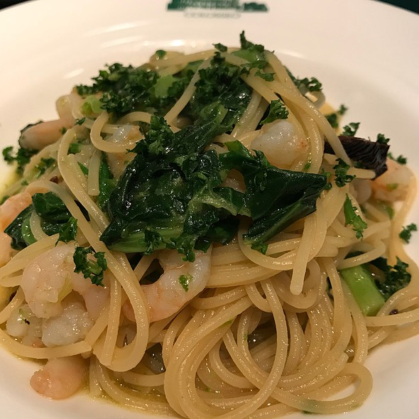 Spaghetti With Shrimp And Green