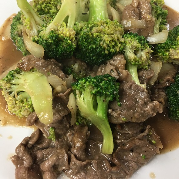 Stirred Fried Beef With Broccoli