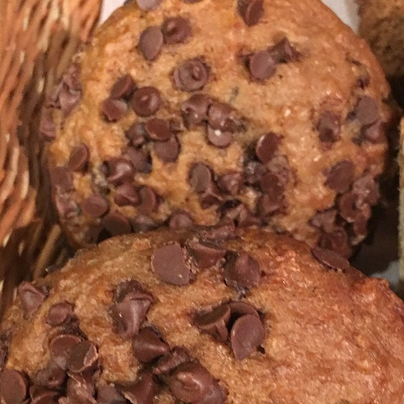 Oatmeal Chocolate Chips Banana Muffins