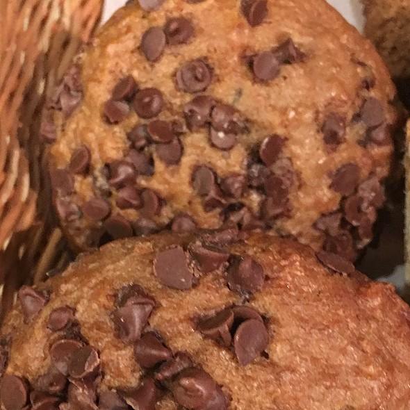Oatmeal Chocolate Chips Banana Muffins @ O-Cha Bar Tea Yaletown