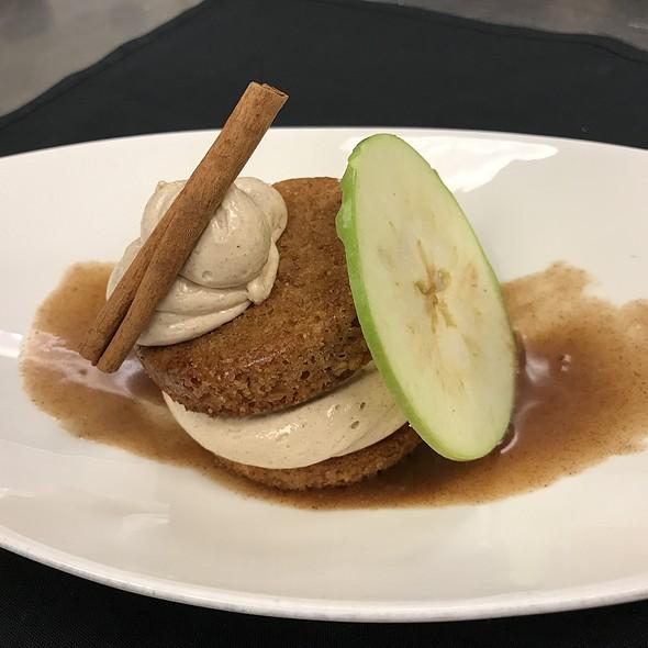 Caramel Apple Oatmeal Creme Pie