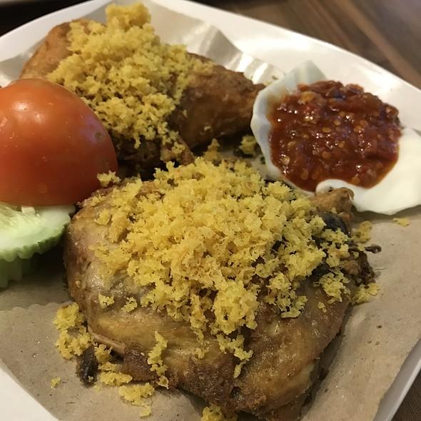 Smashed Fried Chicken (Ayam Penyet)  @ Ayam Penyet President @ JCube