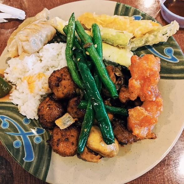 buffet @ Kumo Japanese Seafood Buffet