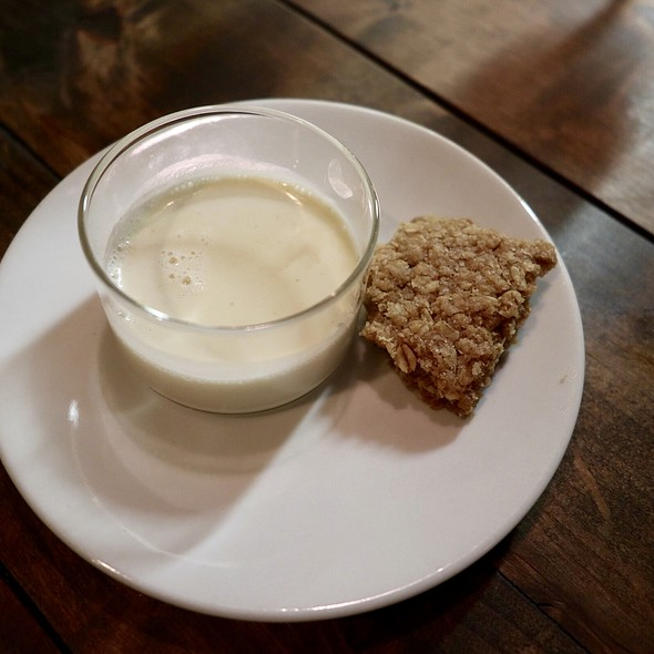 Warm Honey Oatmeal Milk with Streusel Cookie