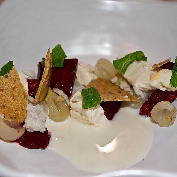 Longan (fresh, ice cream, mochi), mulberry, pistachio, rice milk and cracker