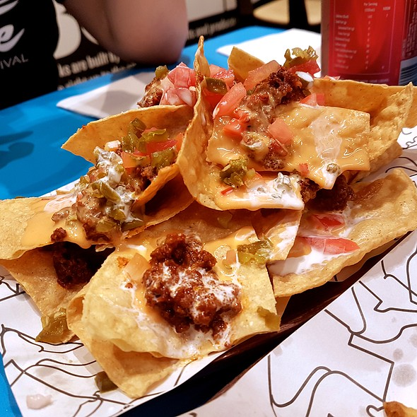 Loaded Tex Mex Nachos @ 8 Cuts Burger Blends