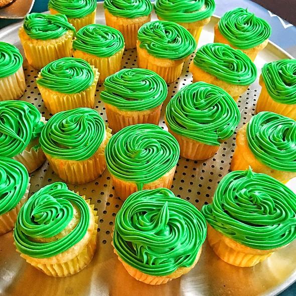 Cupcakes @ Home