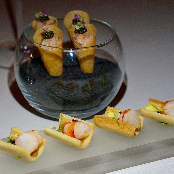 Prawn, curry, sesame cracker; beef tartare cone with caviar and wasabi