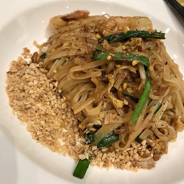Pad Thai @ Food Village (Takashimaya)