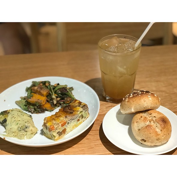 Suli's Selection of 3 Deli Lunch  @ Café & Meal MUJI