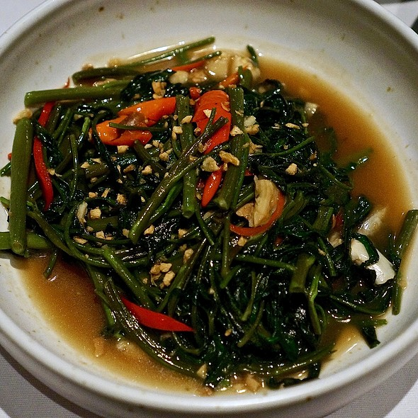 Stir-fried morning glory spinach with garlic chili and soy bean paste
