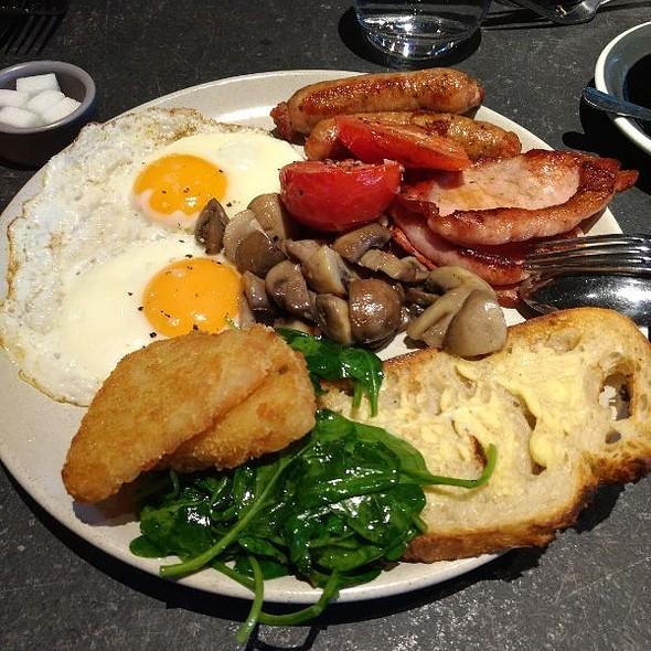 H&V Breakfast @ Husk & Vine Kitchen and Bar