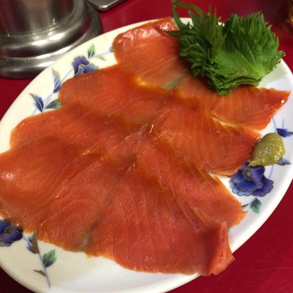 Smoked salmon @ 上海菜館