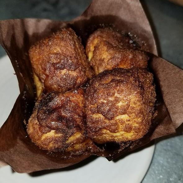 Monkey Bread @ Tavern Restaurant