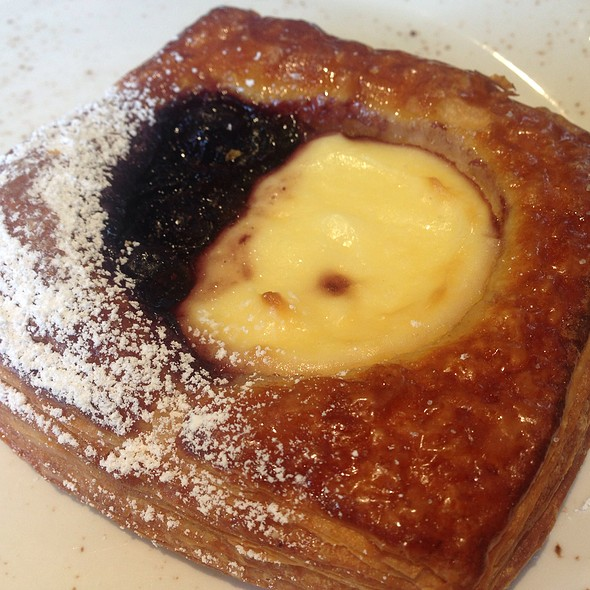 Blueberry & Cream Cheese Pastry @ Friends & Family