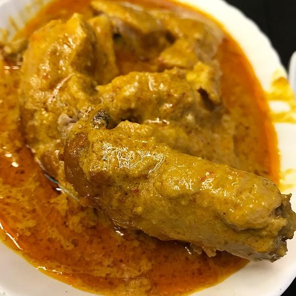 Chicken Curry @ YANTI AUTHENTIC NASI PADANG 燕媂正宗印尼巴东咖哩饭