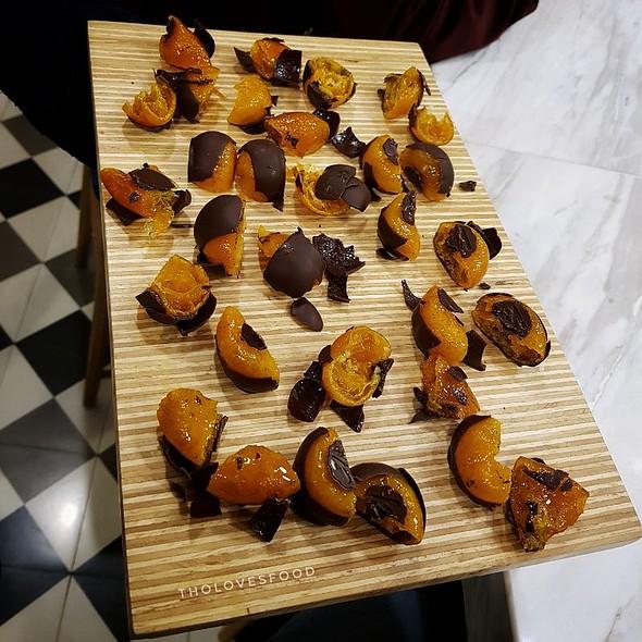 Kumquat Chocolate @ Maison Marou Hanoi