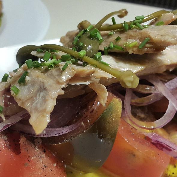 Mix de tomates con ventresca de atún