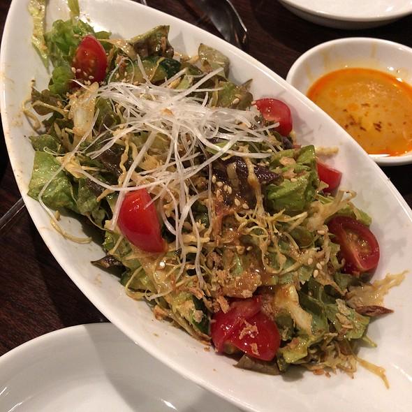 Enmado Salad