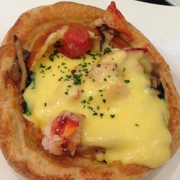 Mushrooms, Tomatoes, Kale & Lemon Hollandaise In Pastry