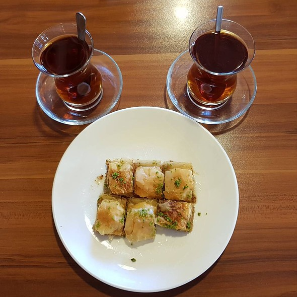 Baklava & Red Tea