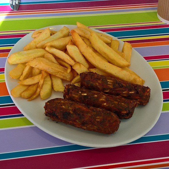 Veggie Sausages and Chips