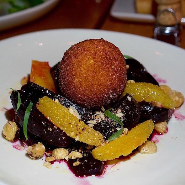 Roasted beet salad, chèvre croquette, hazelnuts, tarragon, orange